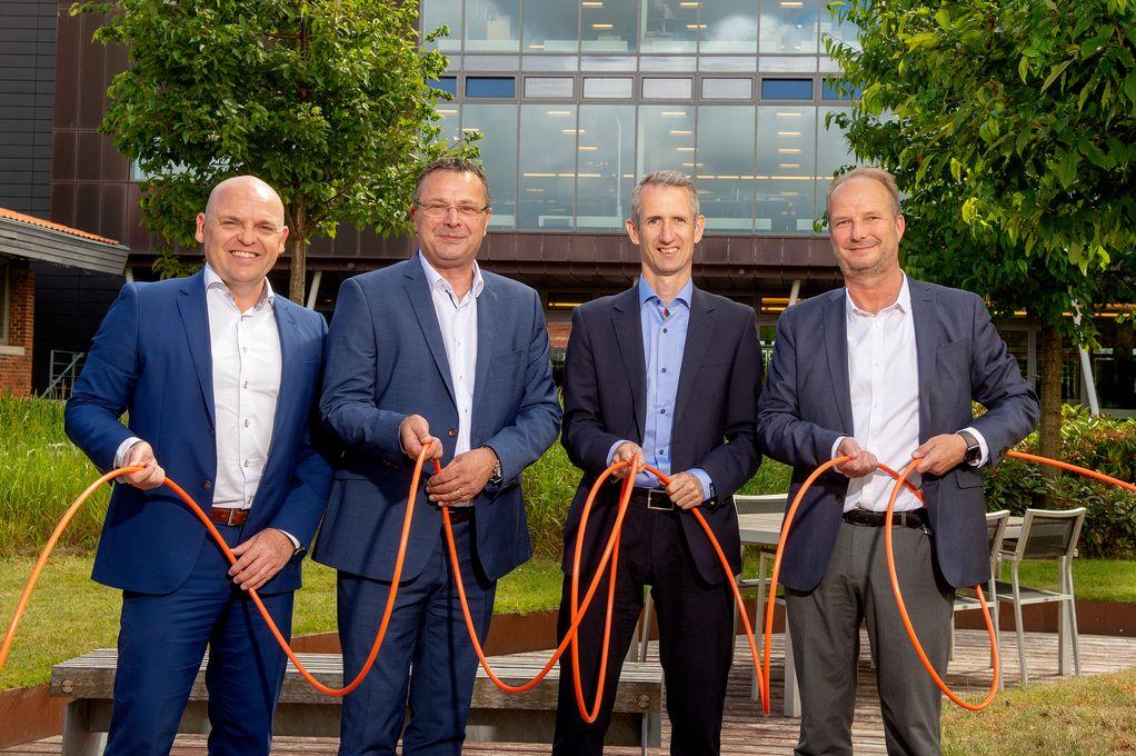 Mads Brøgger, kommerciel direktør i Eniig, Lars Peter Christiansen, administrerende direktør hos Thy-Mors Energi, Lars Thorup Nielsen, fiberchef hos Thy-Mors Energi og Henrik Møller Nielsen, direktør i OpenNet.