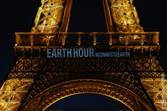 Det ikoniske Eiffeltårn i Paris slukker også for lyset som led i Earth Hour. Foto: WWF