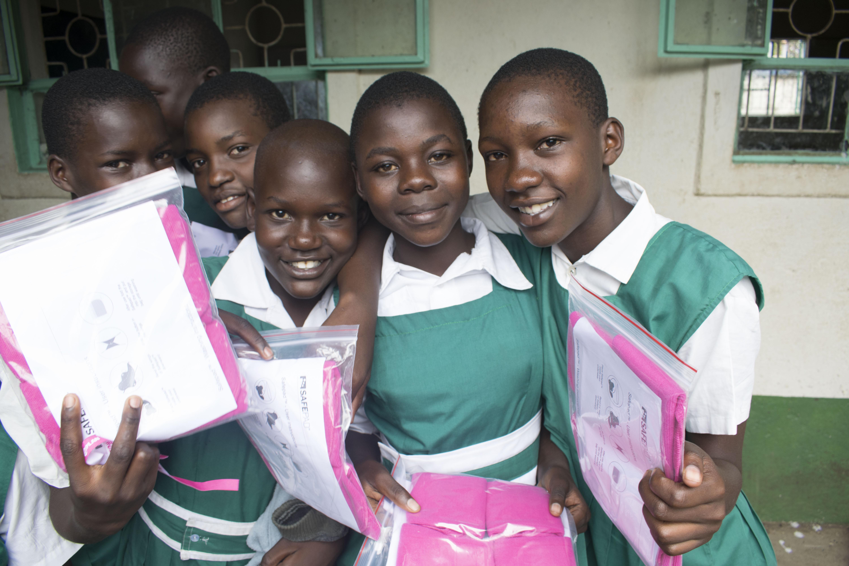 6ac2d18e153 Du kan forhindre, at piger i kenya bløder igennem deres ...
