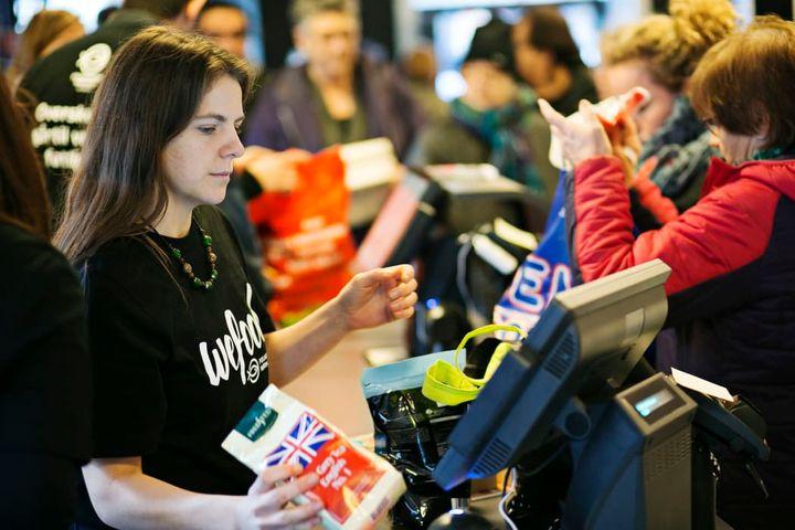 1ef4045f Det er eksempler på varer, der kan findes på hylderne i Wefood - Danmarks  første butikskæde med overskudsmad.