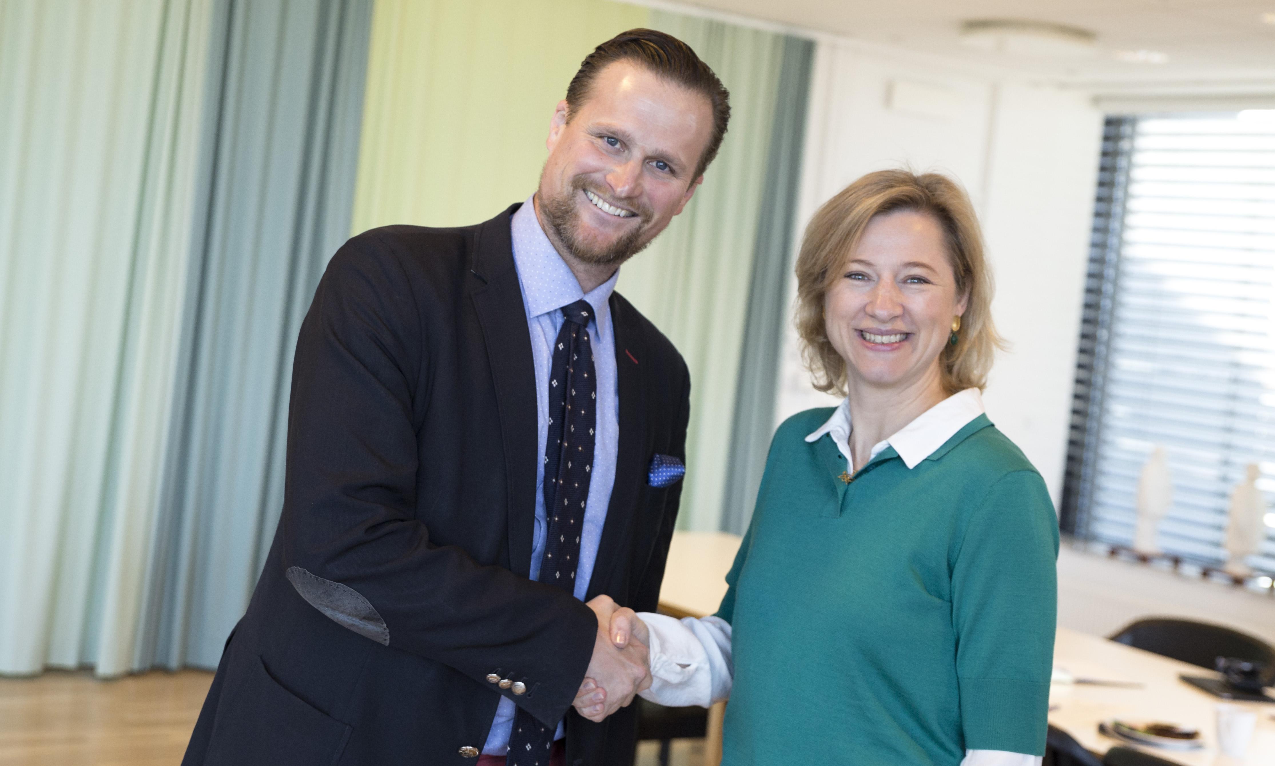 Regionsrådsformand i Region Hovedstaden, Sophie Hæstorp Andersen, drøftede nye samarbejder om akuthjælp og behandling af børnekræft på tværs af Øresund med hendes svenske kollega, formand for Region Skåne, Carl Johan Sonesson, på et møde tirsdag den 30. april