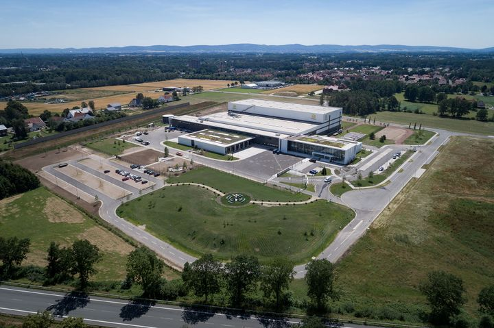HARTING has now commissioned the ultra-modern logistics centre EDC