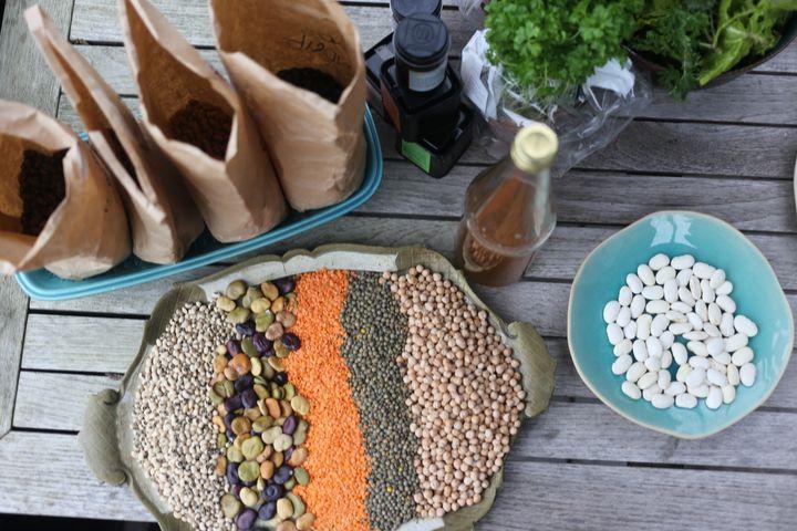 Vil du spise flere bælgfrugter og mere i tråd med de nye kostråd, så tænk først på dig selv - så følger klimaet med. Foto: Økologisk Landsforening.