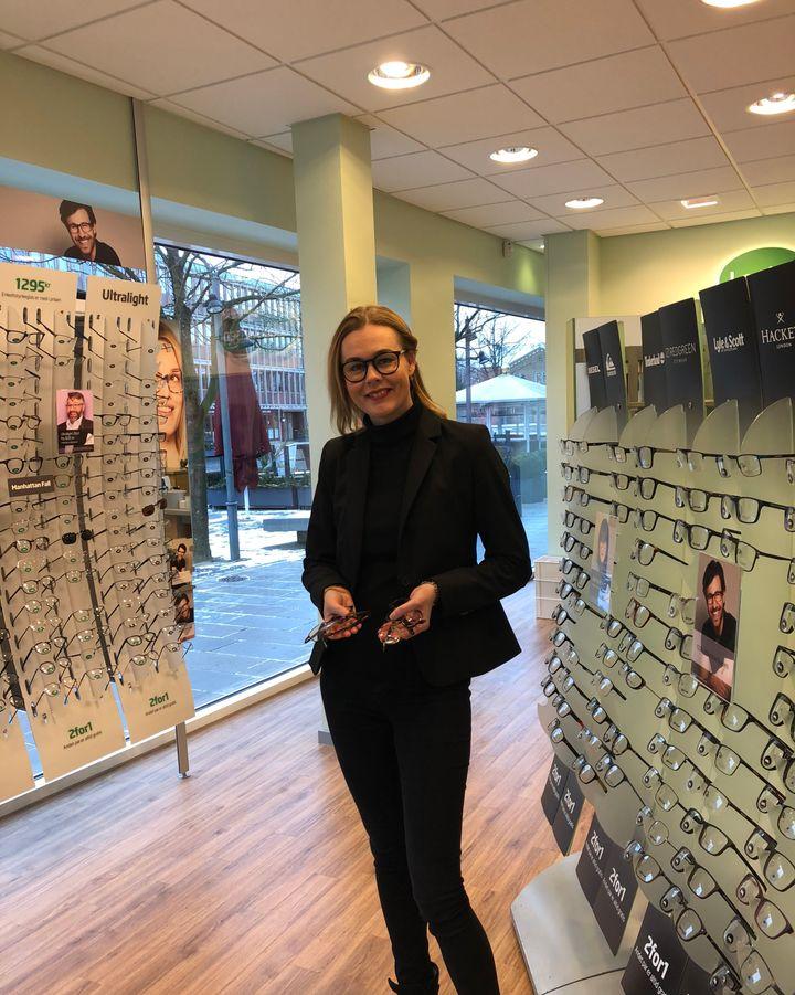 4c2f12bfc7db Chefoptiker Lise Hedegaard Stevn fra Louis Nielsen i Herning tager til  Tanzania og uddeler brugte briller