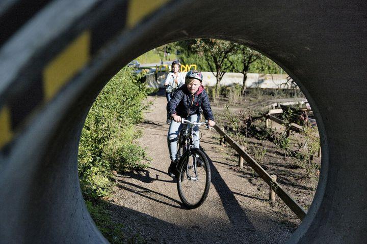 Cyklistforbundet har samlet erfaringerne med at udvikle cykellegebaner i Høje Taastrup og seks øvrige kommuner i et gratis digitalt idékatalog til landets øvrige kommuner. Kataloget skal støtte kommuner i at anlægge egen bane.